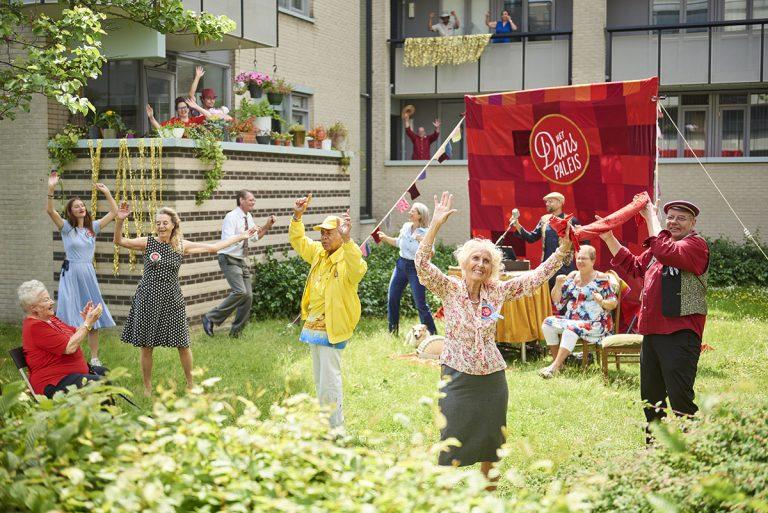 balkon danspaleis in amsterdam buiten editie senioren muziekfeest dansfeest